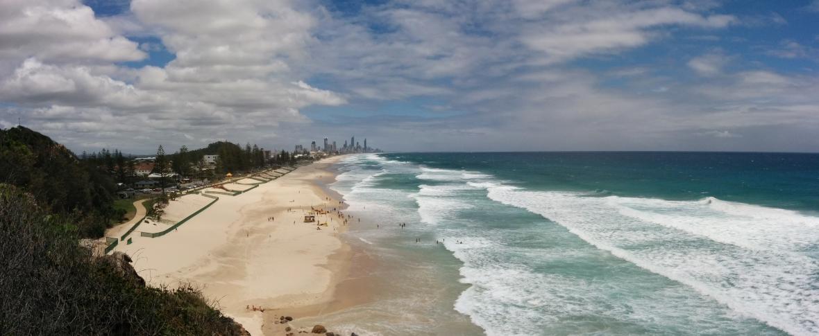 Plage de Miami avec Surfers Paradise en font