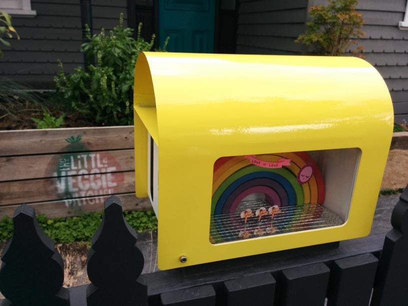Une boîte aux lettres boîte à musique